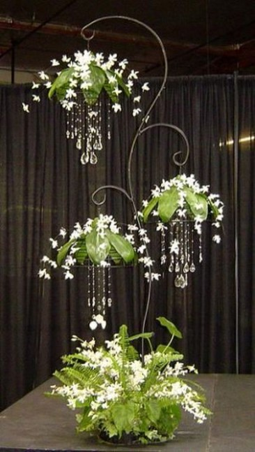 Beautiful Hanging Planter Ideas For Outdoor 08
