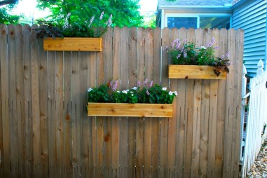 Beautiful Hanging Planter Ideas For Outdoor 13