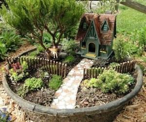 Brilliant DIY Fairy Garden Design Ideas 28