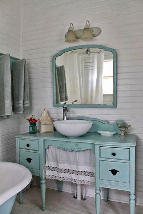 Cute Shabby Chic Bathroom Design Ideas 12