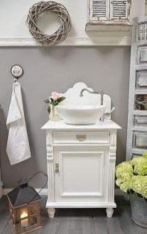 Cute Shabby Chic Bathroom Design Ideas 23