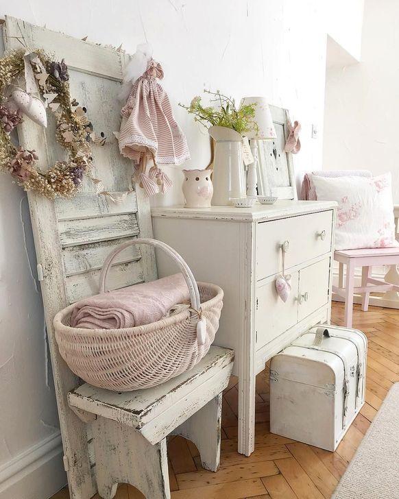 Cute Shabby Chic Bathroom Design Ideas 28