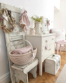 Cute Shabby Chic Bathroom Design Ideas 28