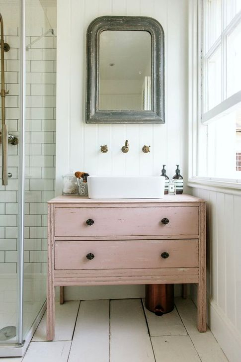 Cute Shabby Chic Bathroom Design Ideas 46