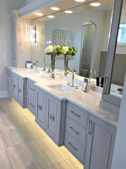 Fascinating Bathroom Vanity Lighting Design Ideas 11
