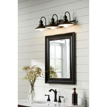Fascinating Bathroom Vanity Lighting Design Ideas 33