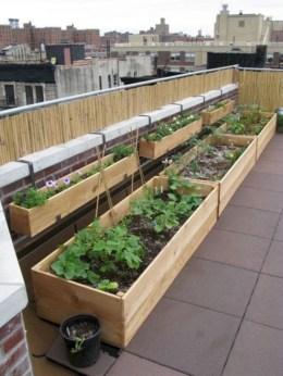 Impressive Balcony Garden Design Ideas 15