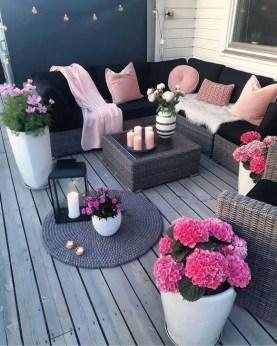 Impressive Balcony Garden Design Ideas 16