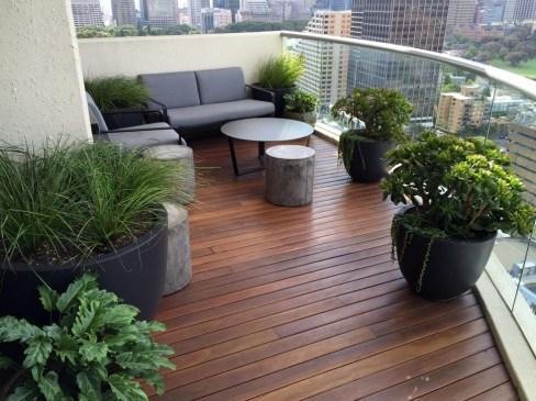 Impressive Balcony Garden Design Ideas 21