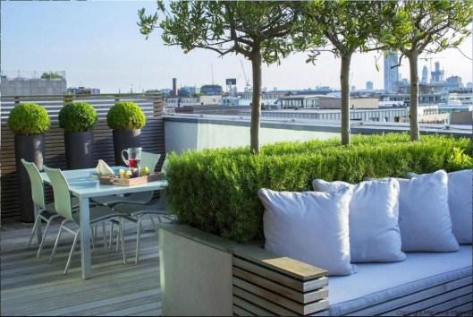 Impressive Balcony Garden Design Ideas 23