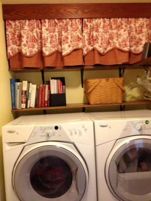 Innovative Laundry Room Design With French Country Style 09