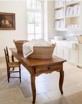 Innovative Laundry Room Design With French Country Style 29