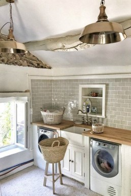 Innovative Laundry Room Design With French Country Style 38