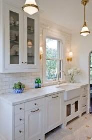 Minimalist Small White Kitchen Design Ideas 05