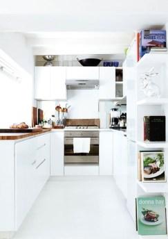 Minimalist Small White Kitchen Design Ideas 06
