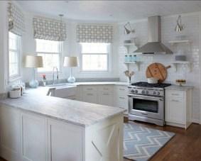 Minimalist Small White Kitchen Design Ideas 14