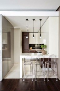 Minimalist Small White Kitchen Design Ideas 39