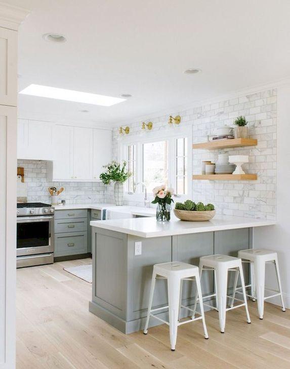 48 Minimalist Small White Kitchen Design Ideas   HOMYSTYLE