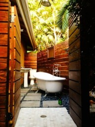 Best Ideas For Outdoor Bathroom Design 15