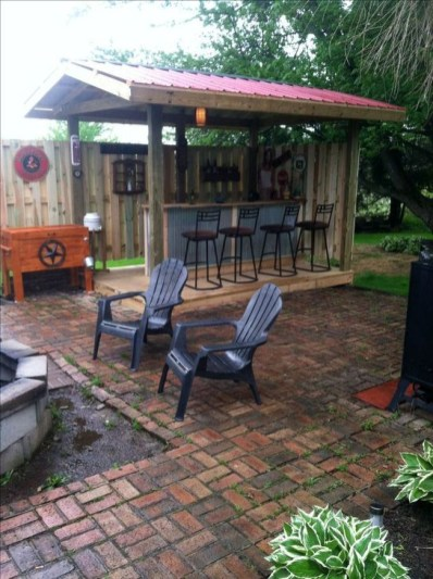Cheap And Easy DIY Outdoor Bars Ideas 01