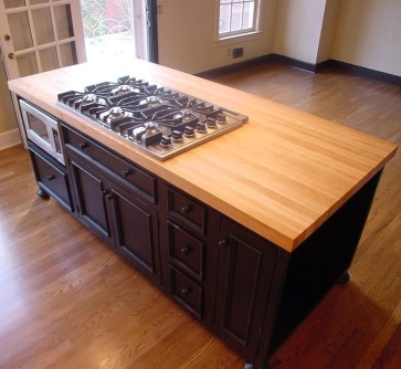 Classy Wooden Kitchen Island Ideas For Your Kitchen 15