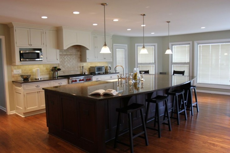 Classy Wooden Kitchen Island Ideas For Your Kitchen 35