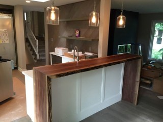 Classy Wooden Kitchen Island Ideas For Your Kitchen 44