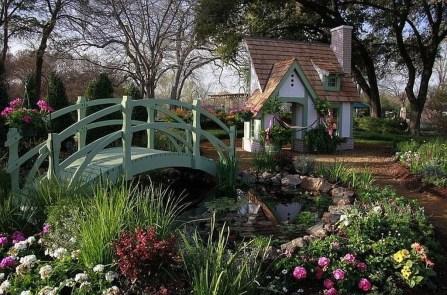 Cool Garden Bridge Ideas You Will Totally Love 04