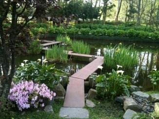 Cool Garden Bridge Ideas You Will Totally Love 41
