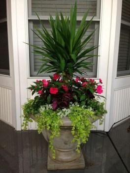 Creative Front Door Flowers Pot Ideas 19