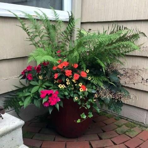 Creative Front Door Flowers Pot Ideas 49