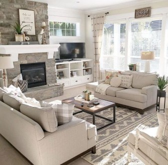 Easy And Simple Neutral Living Room Design Ideas 18