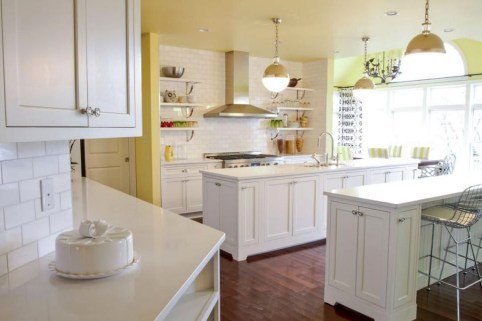 Magnificient Open Plan Kitchen With Feature Island Ideas 22