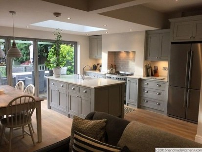 Magnificient Open Plan Kitchen With Feature Island Ideas 43