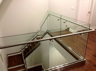 Perfect Glass Staircase Design Ideas 04
