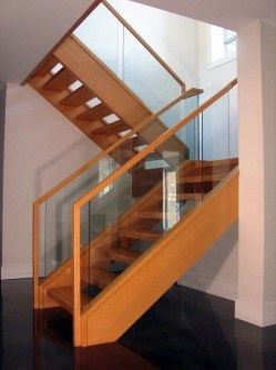 Perfect Glass Staircase Design Ideas 13