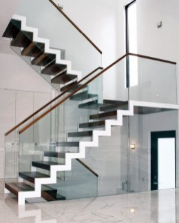 Perfect Glass Staircase Design Ideas 17