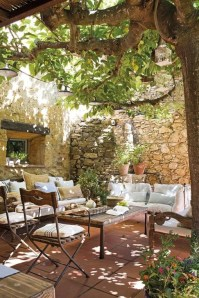 51 Romantic Backyard Garden Ideas You Should Try - HOMYSTYLE on Romantic Backyard Ideas id=24438