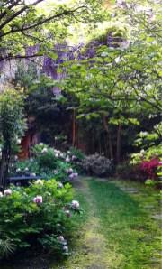 Romantic Backyard Garden Ideas You Should Try 05
