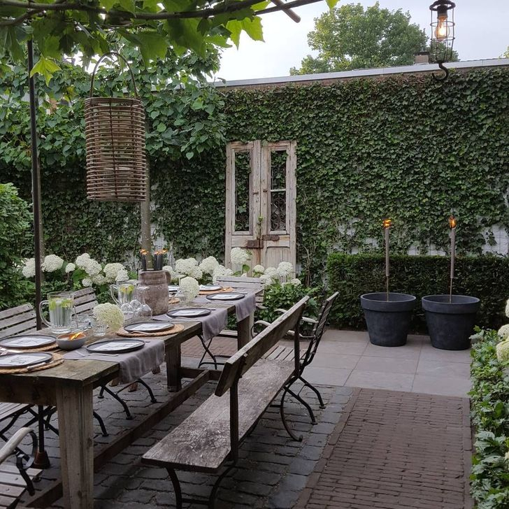 Romantic Backyard Garden Ideas You Should Try 27