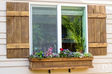 Wonderful Window Box Planters Yo Beautify Up Your Home 30