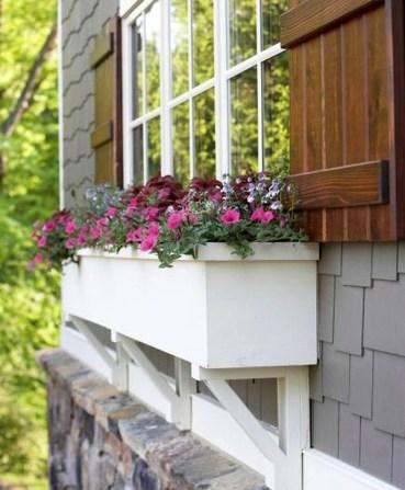 Wonderful Window Box Planters Yo Beautify Up Your Home 35