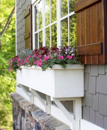 Wonderful Window Box Planters Yo Beautify Up Your Home 35