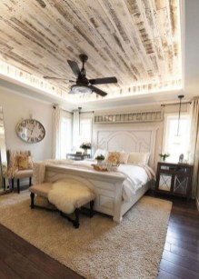 Charming Bedroom Furniture Ideas To Get Farmhouse Vibes 31