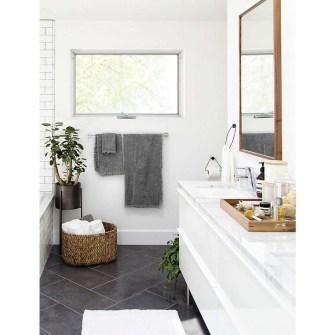 Elegant Wood Decor Ideas For Your Bathroom Design 15