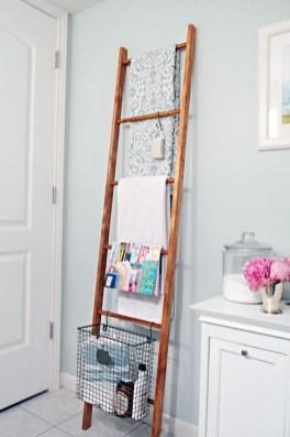 Elegant Wood Decor Ideas For Your Bathroom Design 44