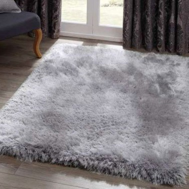 Lovely Bedroom Ideas With Beautiful Rug Decoration 16