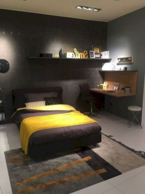 Lovely Bedroom Ideas With Beautiful Rug Decoration 26