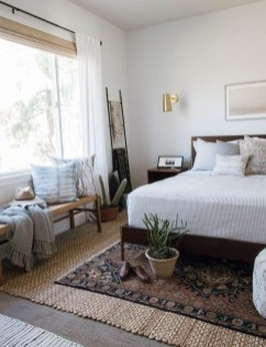 Lovely Bedroom Ideas With Beautiful Rug Decoration 27