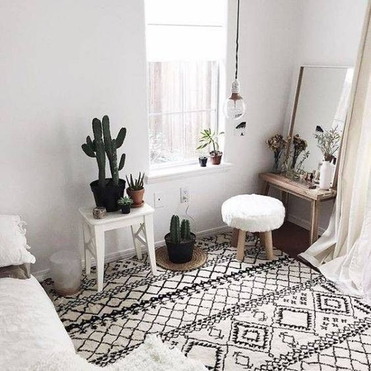 Lovely Bedroom Ideas With Beautiful Rug Decoration 34